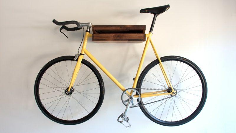 fahrradhalter wand gelber fahrrad