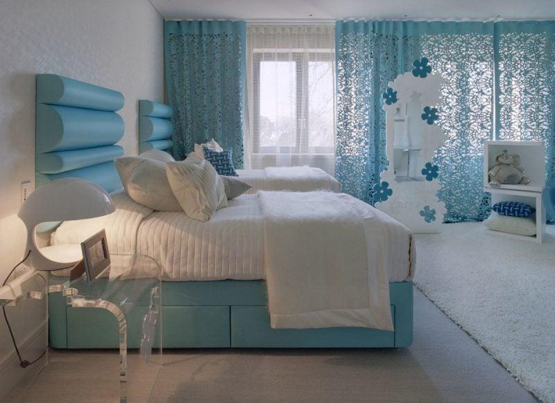 Moderne Vorhänge für Fenstergestaltung im Schlafzimmer