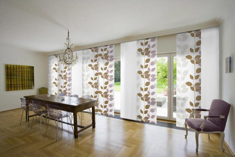 Fenstergestaltung mit viele geraden Gardinen