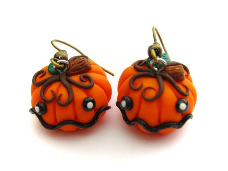 Fimo Ideen: Halloween Ohrringe in Form eines Kürbises
