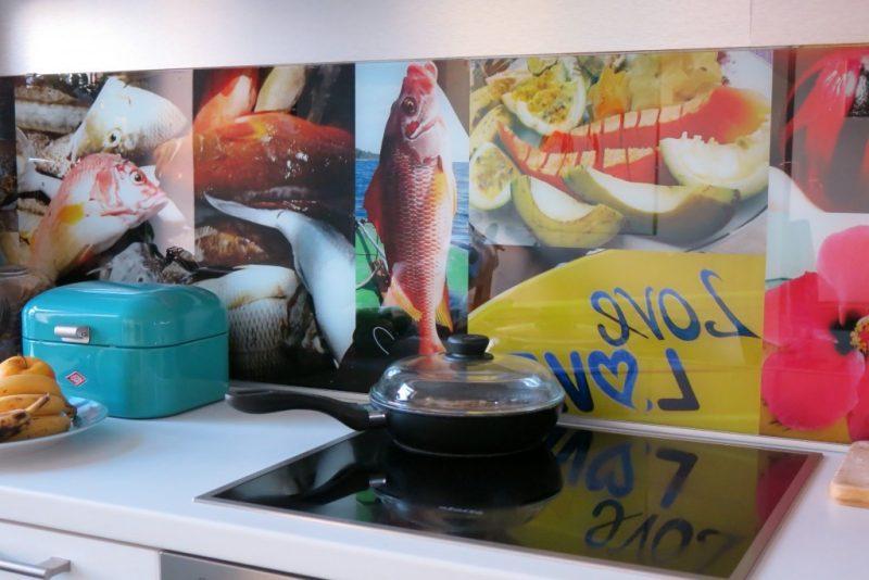 folie kuchenruckwand könnte auch mit selbst ausgewählten motiven ausgedruckt werden