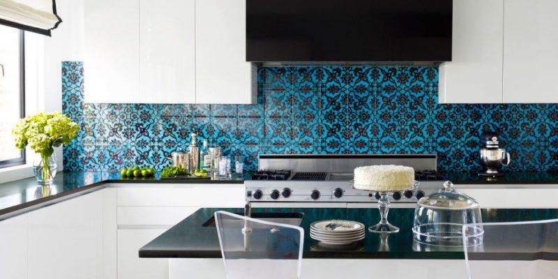 folie kuchenruckwand in blau mit schwarzen details