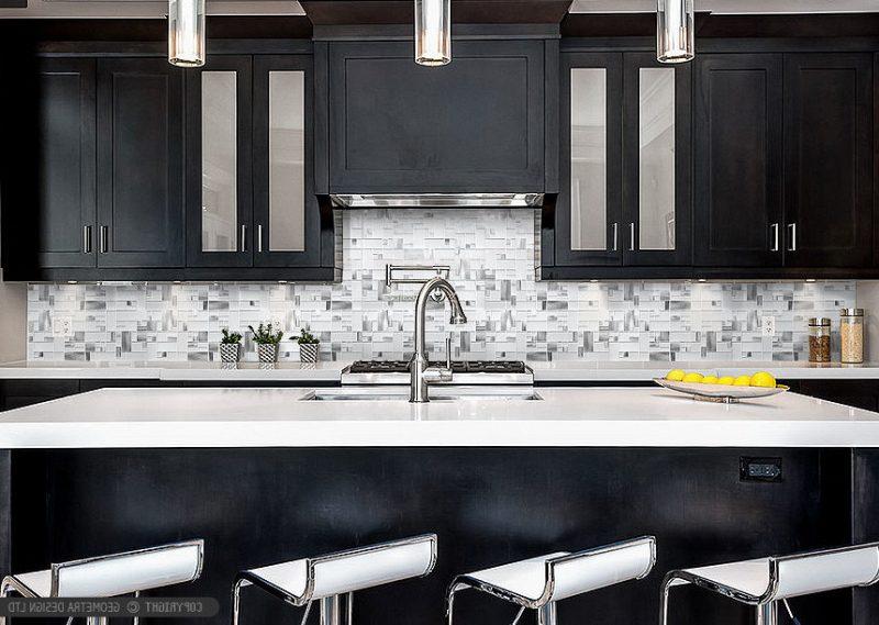 moderne metallic küche mit steinoptik folie kuchenruckwand