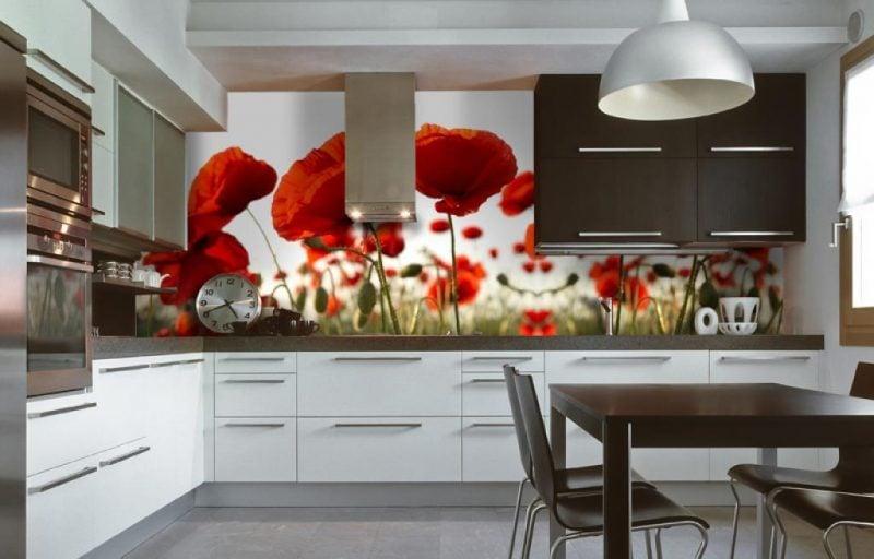 Mit einer Fototapeten günstig verschönern Sie den Küchenrückwand