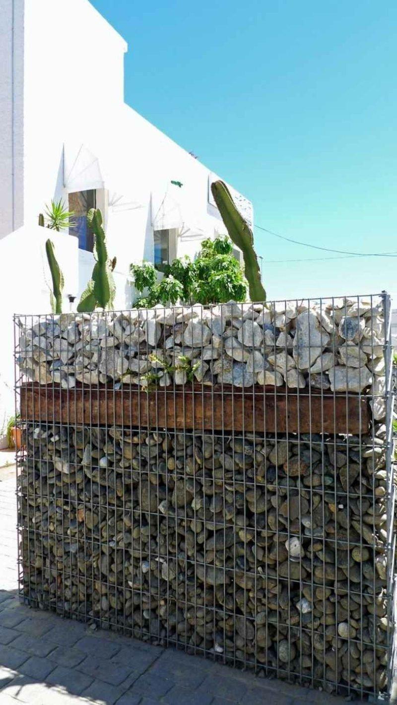 Gabionenwand aus Stein klassisch