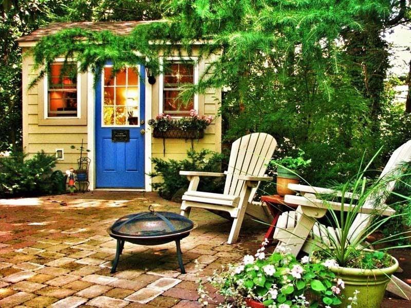 Verwalten Sie das Außenbereich von Gartenhütten in einem Erholungsbereich
