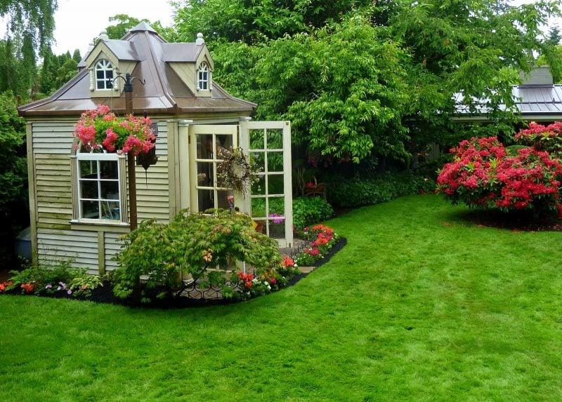Gartenhütten können Sie entweder fertig kaufen oder selber bauen