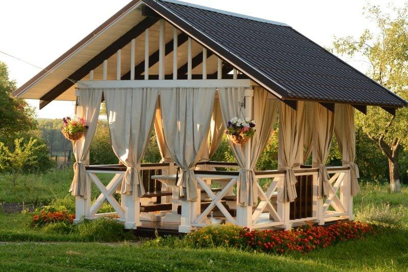 Verwalten Sie die Gartenhütten in einem Entspannungsbereich
