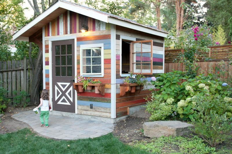 Bunte Gartenhütten