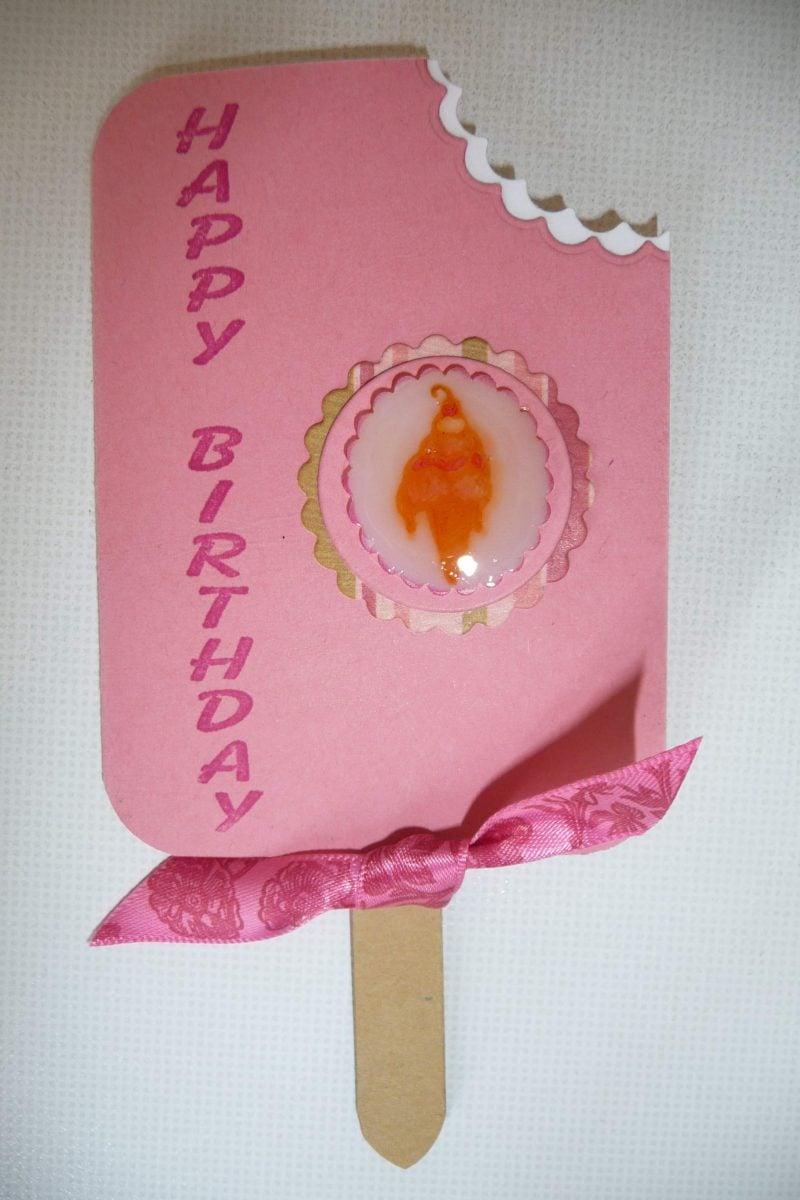 geburtstagskarten selbst gestalten in form vom ei in rosa farbe gebissen