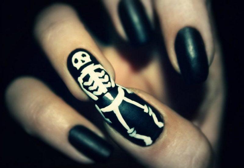 Gelnägel Motive für Halloween: Interessante Idee für Skelett