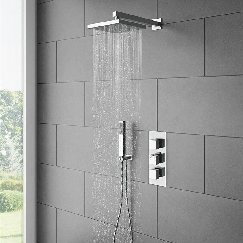 Badezimmer mit gemauerten Dusche