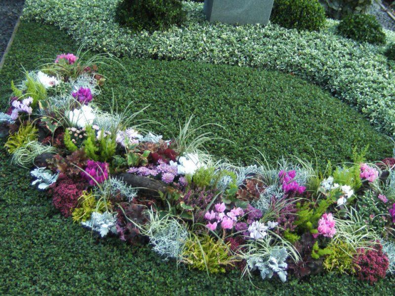 grabbepflanzung gestalten