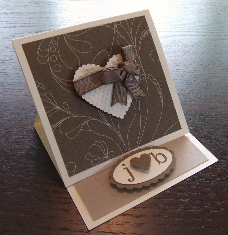 braune hochzeitskarten basteln mit einem herzen auf der vorderseite