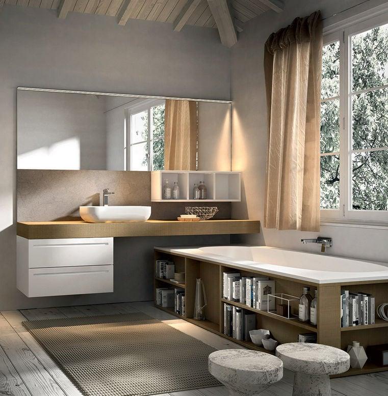 holz waschtischplatte in einem modern gestalteten badezimmer mit holz badewanne