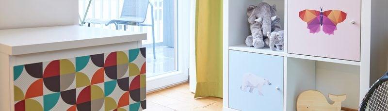 Verleihen Sie dem Ikea Besta Regal neuen Glanz mit Klebfolien