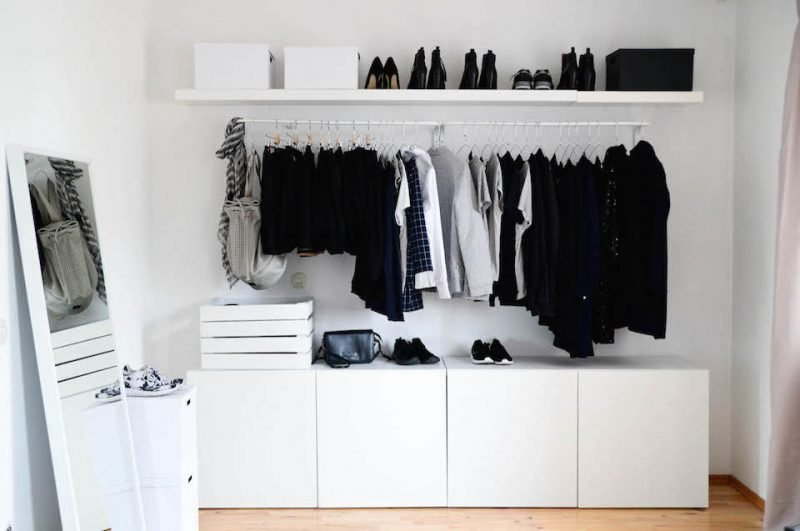Ikea Besta Regal in Kleiderschrank verwandeln