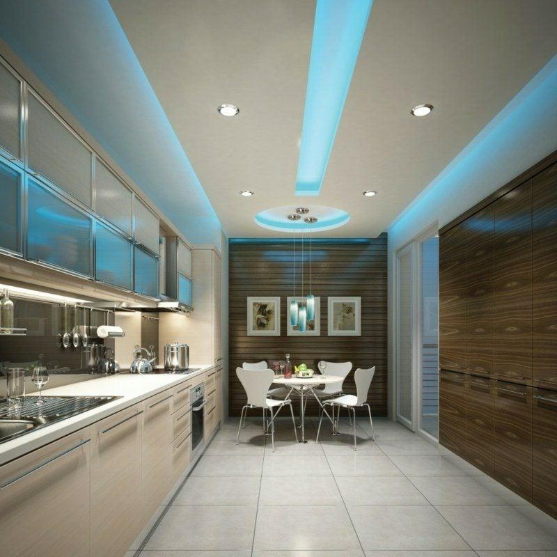 indirekte Deckenbeleuchtung blaues Licht