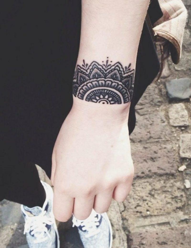 originelles Tattoo Handgelenk Unterarm