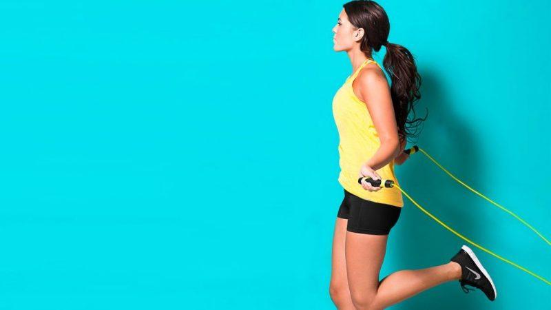 Kalorienverbrauch mit Seilspringen können sie mit dem Jogging kombinieren