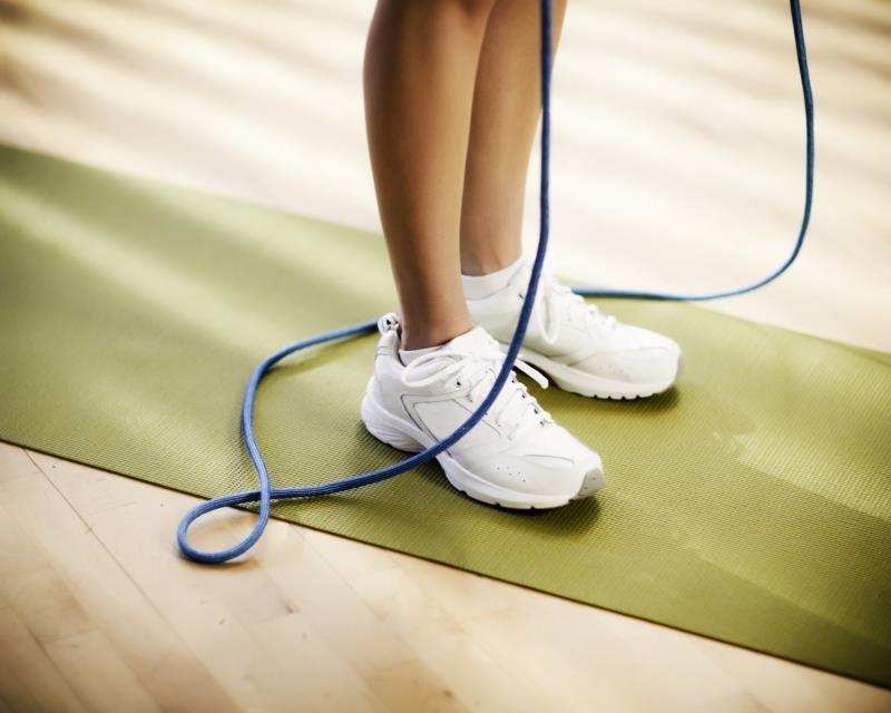 Kalorienverbrauch mit Seilspringen: Wie lang muss das Seil sein