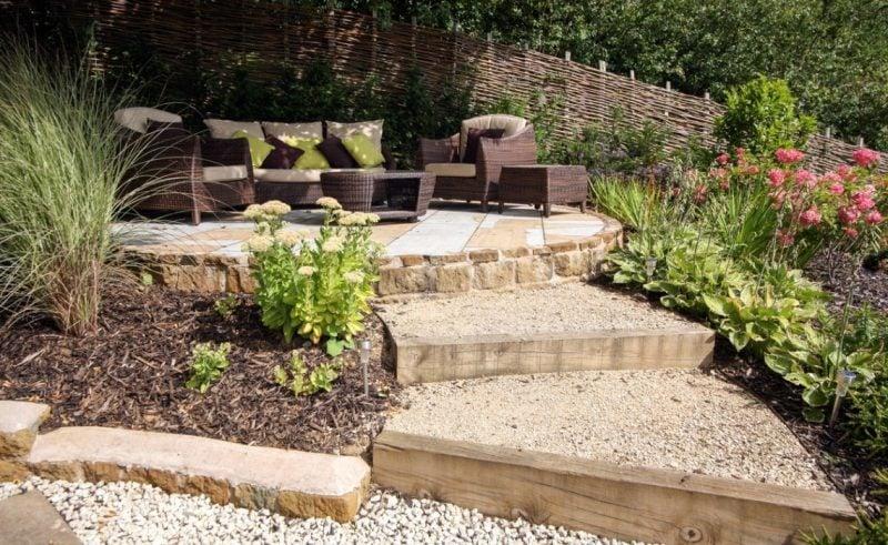 DIY Kisgarten anlegen als Weg zu Sitzecke