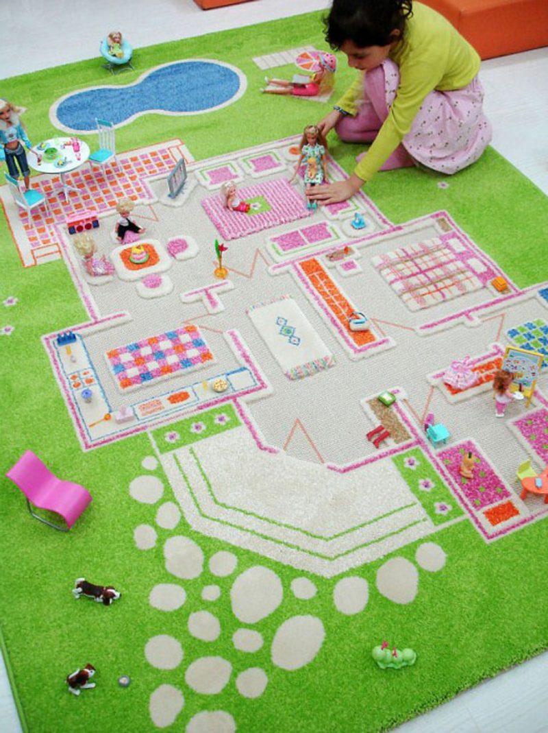 Kinderzimmerteppich als Puppenhaus gestaltet