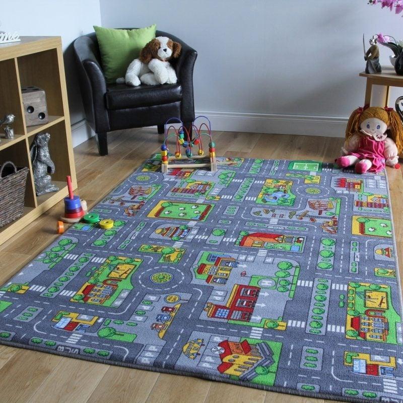 Kinderzimmerteppich eignet sich perfekt für interessante Spiele