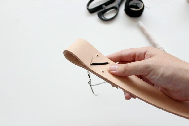 Kleiderstange für Wand aus Holz: Schritt 2