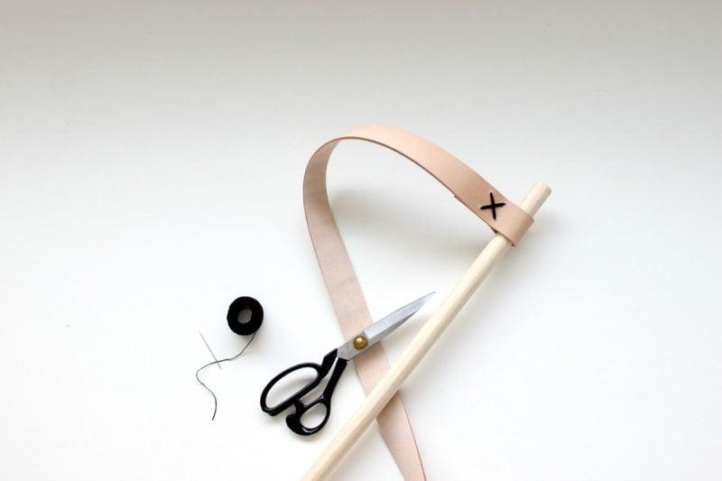 Kleiderstange für Wand aus Holz: Schritt 3