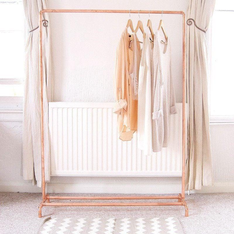 platz sparen kleiderstange f r wand selber bauen diy zenideen. Black Bedroom Furniture Sets. Home Design Ideas