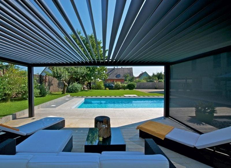 metall pergola im sommer ist in kombination mit einem pool die beste entscheidung für die hitzen