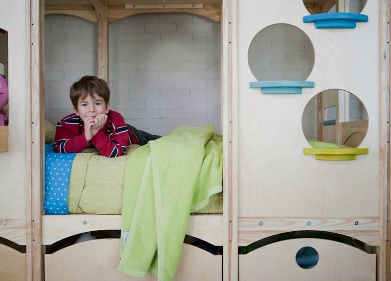 Spielbett aus Massivholz mitwachsend Kinderzimmer