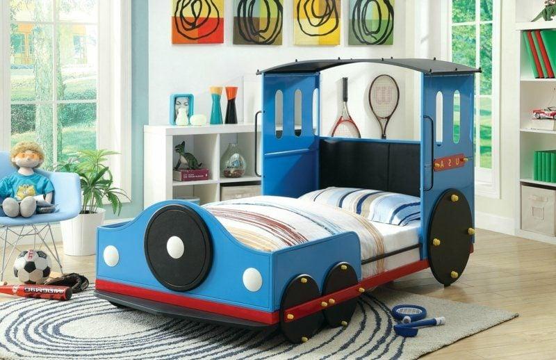 mitwachsendes Kinderbett Zug Jungenzimmer