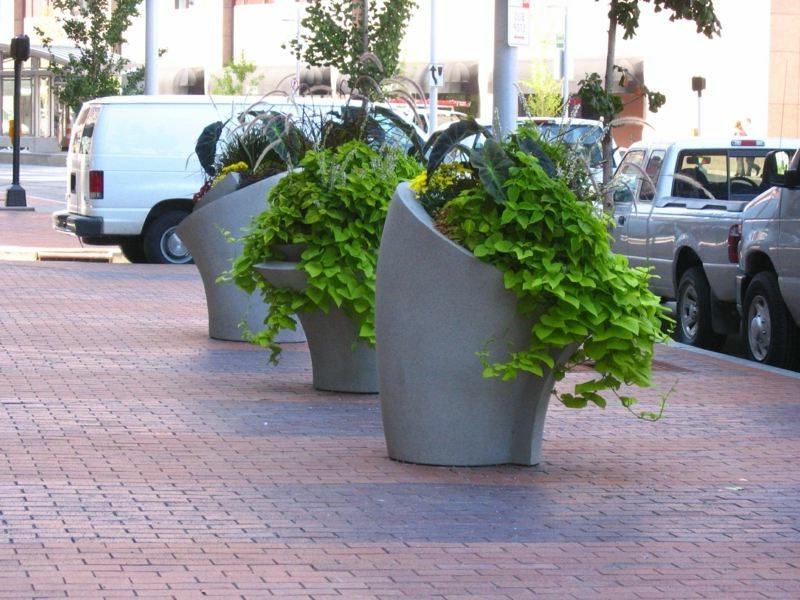 Blumenkübel aus Beton ausgefallenes Design