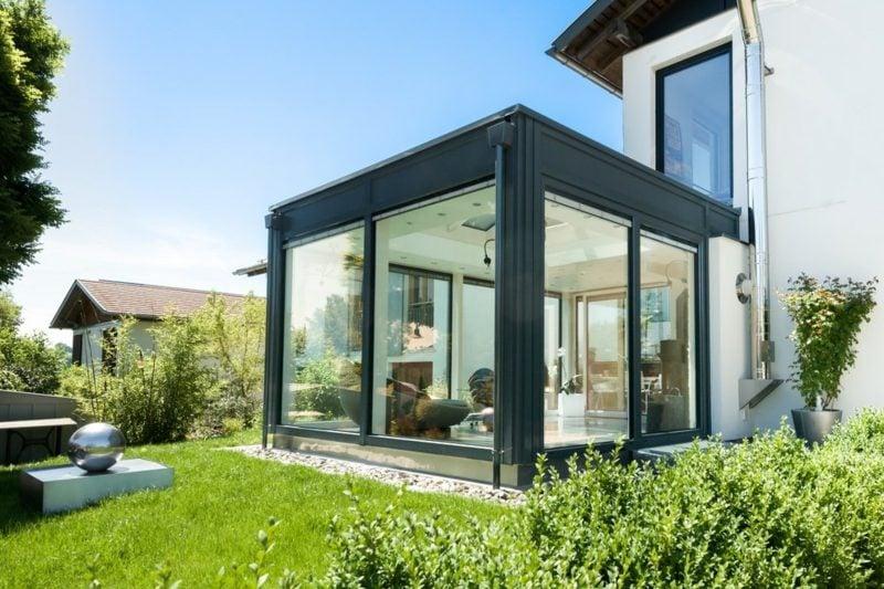 Hausfassade aus Glas modernes Design