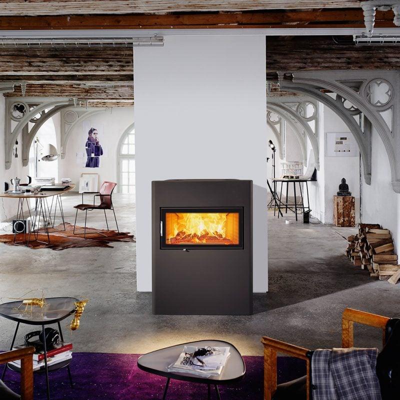 Moderne Kaminöfen von Austroflamm werden mit Liebe zu Detail gefertigt