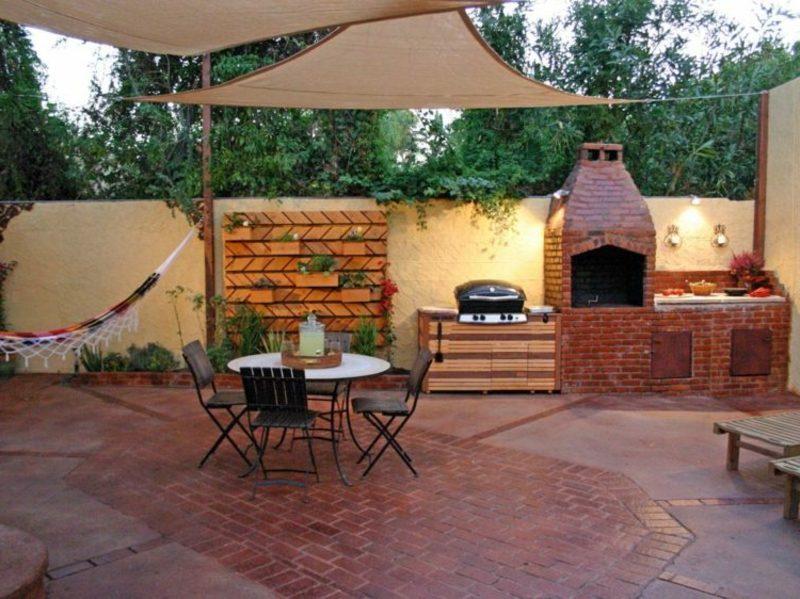 Grillplatz auf der Terrasse Gartengrill modern