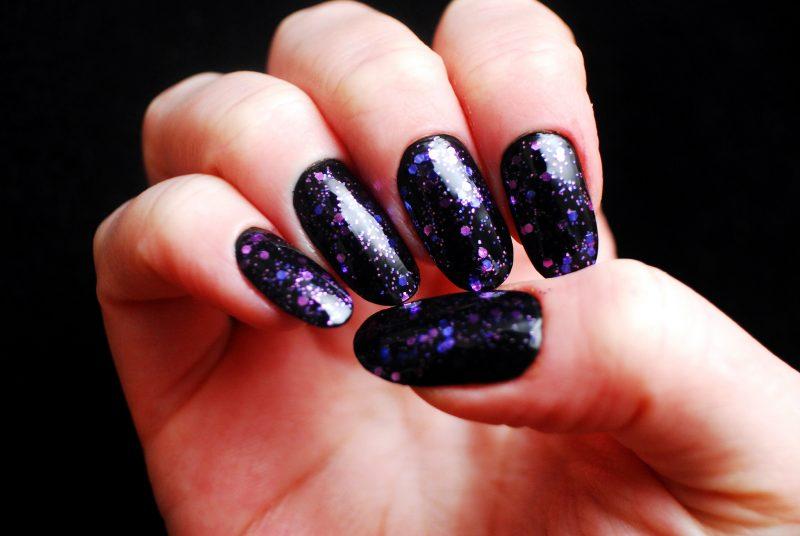 Nagelmodellage Bilder: Verwenden Sie Glitter für einen Blickfang