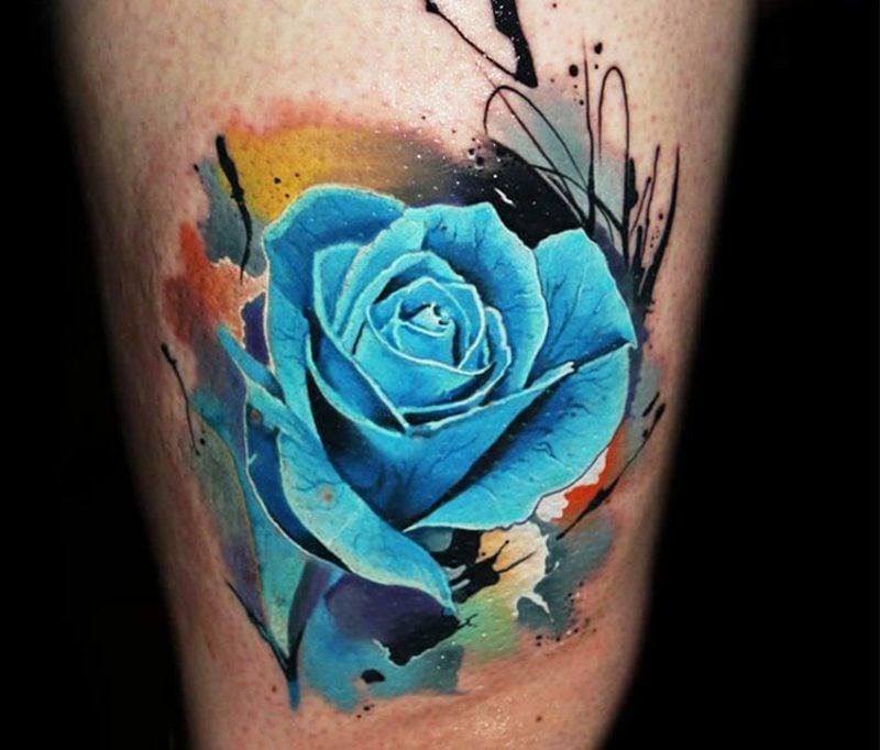 blaue Rose Tattoos für Frauen