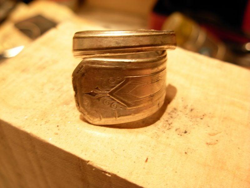 Schmuck aus Silberbesteck Anleitung