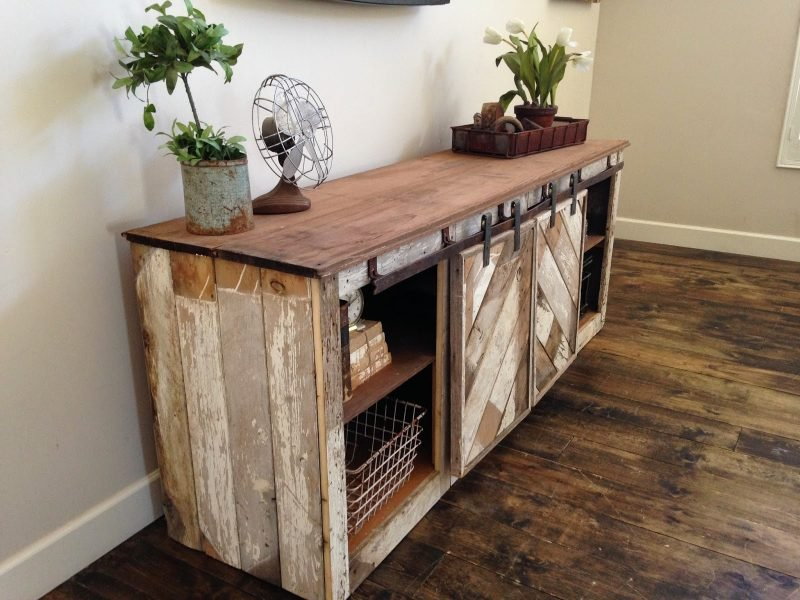 Sideboard selber bauen: DIY Projekt aus Holz und Paletten