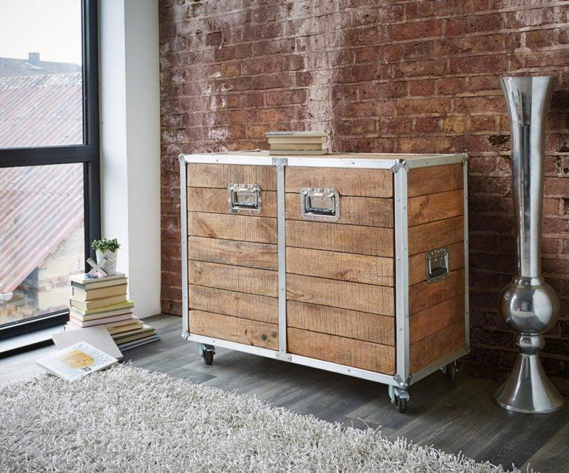 Kombinieren Sie Metall und Holz damit Sie ein Sideboard selber bauen