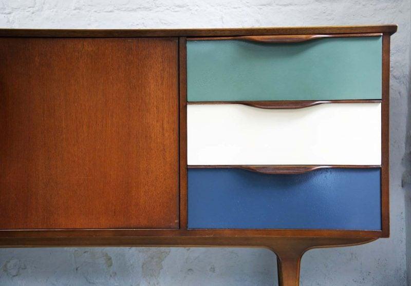 Sideboard Selber Bauen: Farben Sie Die Türen In Verschiedenen Nuancen