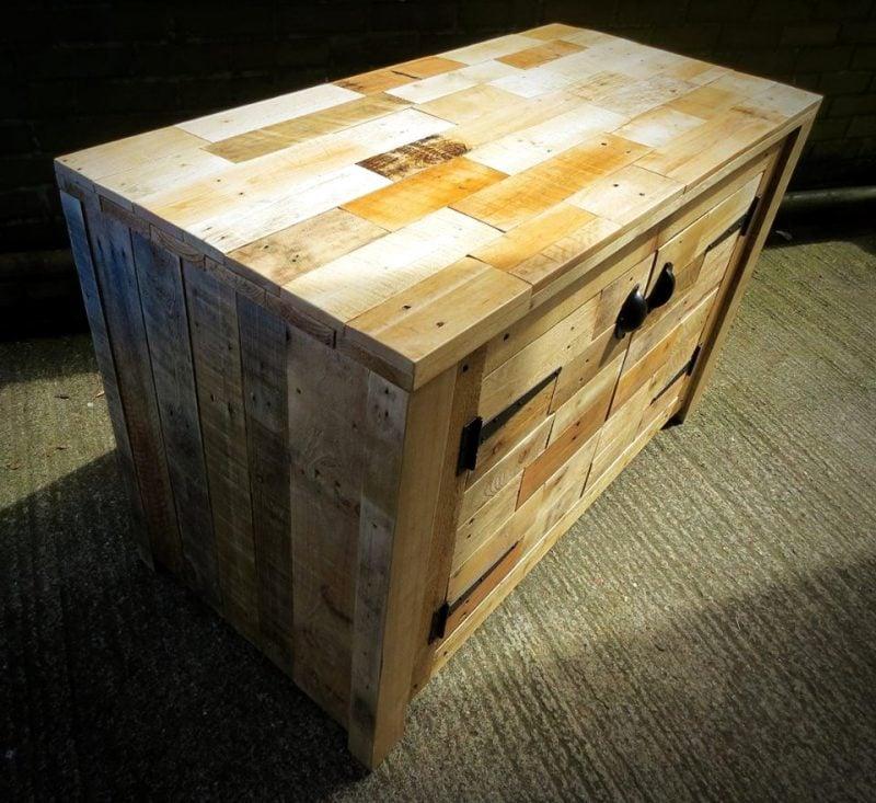 Aus Paletten Sideboard selber bauen