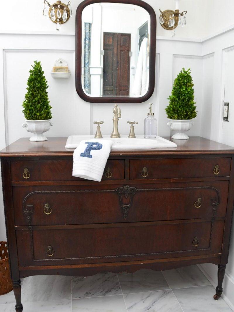 Sideboard selber bauen und Rustikal im Badezimmer bringen