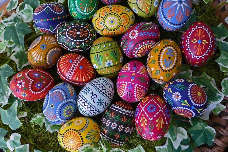 kreative Dekorierungsideen sorbische Ostereier Bossiertechnik