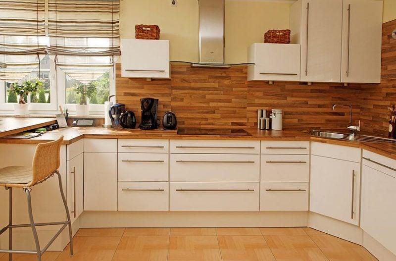 Spritzschutz für Küche aus Holz