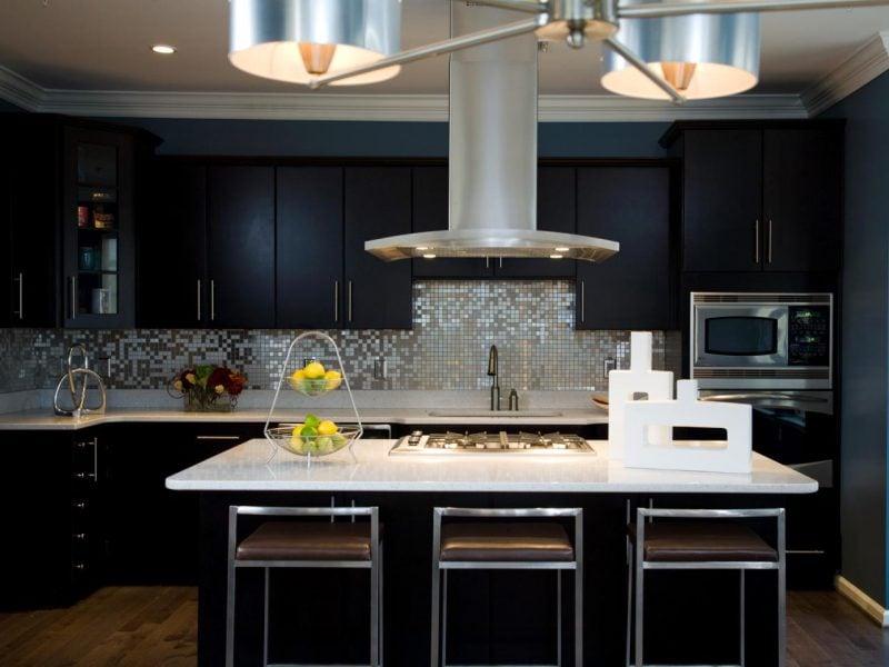 Spritzschutz für Küche aus Edelstahl kombiniert mit Schwarz