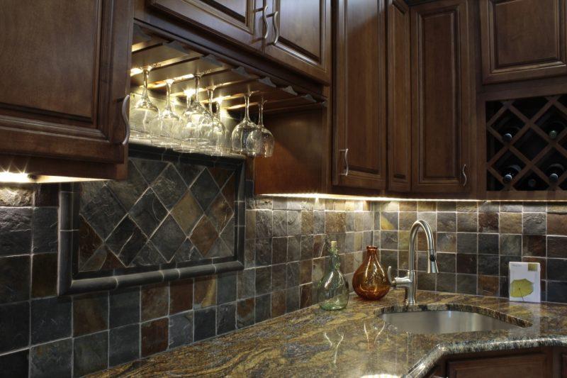 Spritzschutz für Küche aus Natursteinen